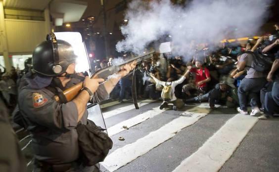 A PM que reprime no asfalto é a mesma que mata na favela